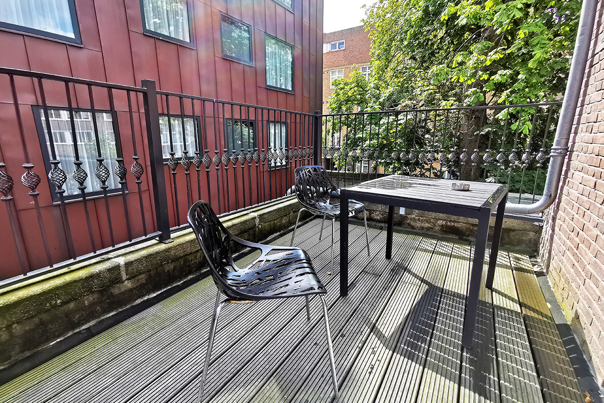 Chasse-Hotel-Amsterdam-Deluxe-Twin-Room with-Balcony-picture-of-balcony-2